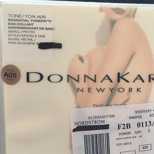 Donna Karan The nudes pantyhose size Small